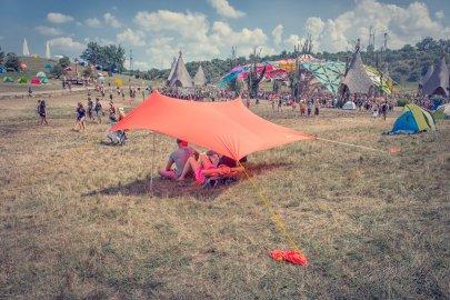 otentik sunshade at festival ozora